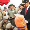 Jokowi dan Mahasiswa Lesehan Bicara Soal Banjir