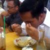 """Jokowi : Warteg Jangan """"Dipajeki"""""""