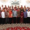 Momen Jokowi dan Ahok Saat Foto Bersama