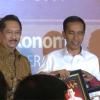 Video Jokowi Menerima Anugerah Pembina BUMD