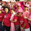 Veronica Basuki dan Linda Gumelar Buka Parade Goes Pink