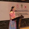 Veronica Jadikan Dua Anaknya Guru Bahasa Inggris
